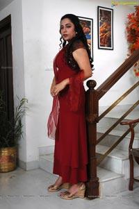 Suhasini Maniratnam