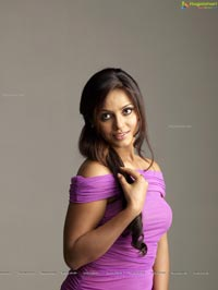 Neetu Chandra