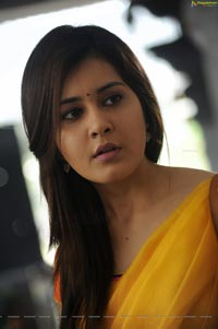 Rashi Khanna in Saree