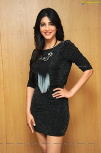 Shruti Haasan in Short Black Dress