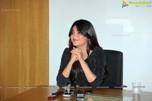 Shruti Haasan in Short Black Dress