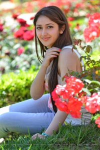 Sayesha Saigal High Definition Photos