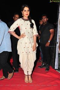 Supreme Heroine Raashi Khanna
