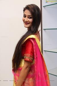 Female Model Nilofer Haidry Photo Gallery