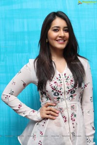 Raashi Khanna Photos