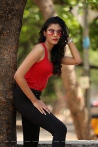 Khushboo Maheshwari Exclusive photoshoot