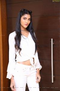 Model Maya Rao