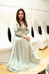 Nandita Swetha Heroine Photos