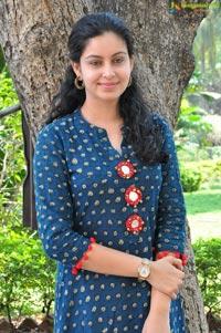 Abhinaya Tamil Actress