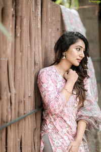 Bommu Lakshmi