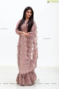 Saraa Venkatesh HD Photos