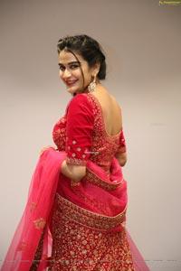 Jenny Honey Showcases Mebaz's Wedding Collection