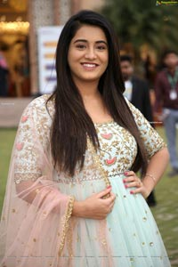 Rashi Singh at SBK Mega Expo, HD Photo Gallery