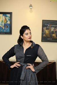 Sreemukhi at Pushpa First Meet