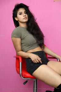 Sheetal Bhatt in Gray Crop Top and Black Denim Hotpants
