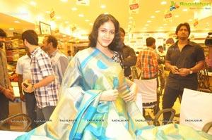 Andala Rakshasi Heroine Photos