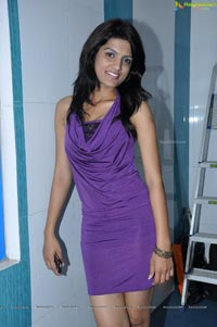 Model Ritu at Superwash Launch