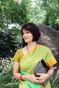Amala Akkineni High Definition Photos in Saree