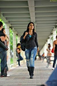 Catherine Tresa in Short Jeans