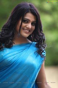 Beautiful Tashu Kaushik in Blue Saree