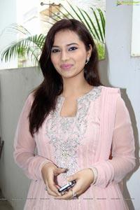 Beautiful Isha Chawla in Pink Dress - High Resolution Photos