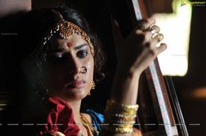 Heroine Veda Archana