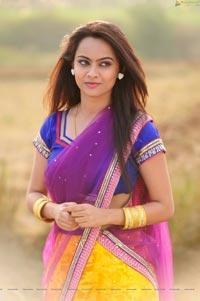 Simmi Das HD Photos