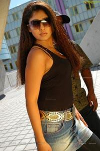 Nayantara in Dubai Seenu