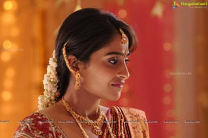 Regina Cassandra Close Up Photos