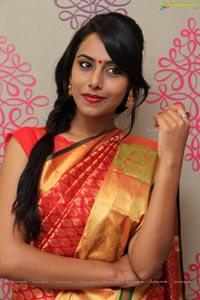 Khenisha Chandran Pics