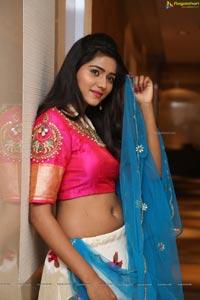 Shalu Chourasiya at Sutraa Grand Curtain Raiser