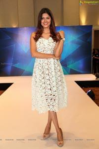 Asha Bhatt