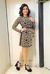 Mannara Chopra @ Lakme Fashion Week