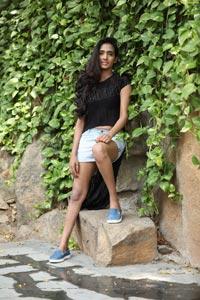Bharathi Parlli Heroine