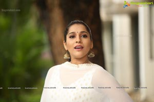 Rashmi Gautam at Anthaku Minchi Title Song Launch