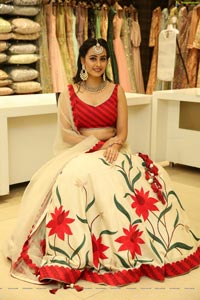 Ameeksha Pawar at Neeru's New Collection Launch