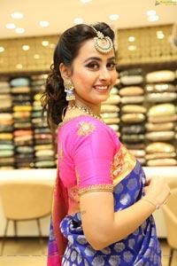 Ameeksha Pawar at Neeru's Wedding Collection Launch