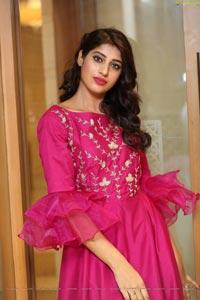 Naziya Khan at Sutraa Expo Curtain Raiser
