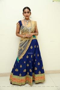 Preethi Singh at Kirtilals Bridal collection