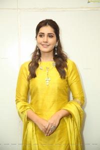 Raashi Khanna at Kousalya Krishmarthy Pre-Release Event