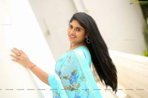 Sonia Chowdary at Ninnu Thalachi Teaser Launch
