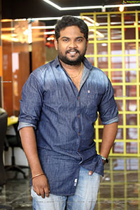 Darshan at Ichata Vaahanamulu Nilupa Raadhu Interview