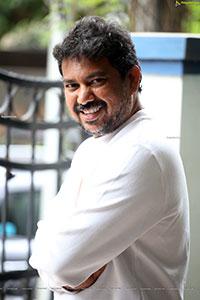 Khiladi Movie Director Ramesh Varma Stills