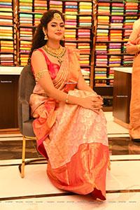 Faria Abdullah at Mandir Shopping Mall Launch