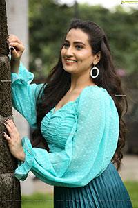 Anchor Manjusha at Induvadana Movie Teaser Launch