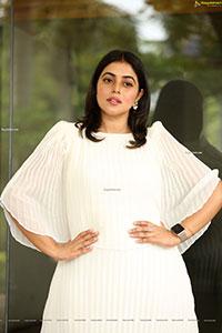 Poorna at Sundari Movie Press Meet