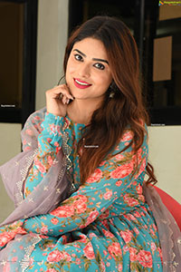 Priyanka Sharma at Bommala Koluvu Trailer Launch