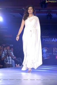 Hamsa Nandini Walks the Ramp in Transparent White Saree at Hyderabad International Fashion Week 2011 (Day 3)