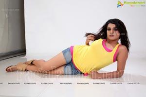 Tashu Kaushik in Short Jean
