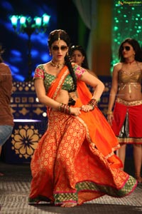 Shruthi Hassan In Half Saree